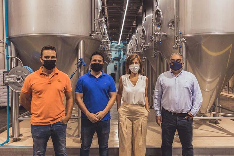 Arriaca recibe la visita de la directora de ventas del sur de Europa de Ball, el mayor fabricante mundial de envases en lata para bebidas